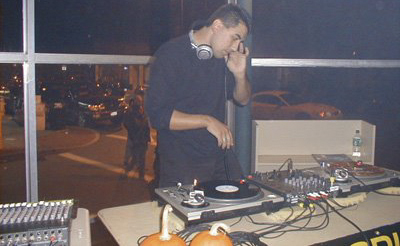 justin-brooks-dj-table-state-rep